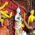 দুর্গাপুরে ১৪ বছরের কিশোর নিজ হাতে প্রতিমা গড়ে মন্ত্র বলে দূর্গাপূজা করে