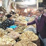 দুর্গাপুরে মেয়র প্রার্থী এডভোকেট প্রবীর মজুমদার চন্দনের গনসংযোগ